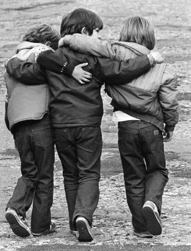 bambini assieme